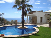 Вилла с полной панорамой моря на холме в Platja d Aro
