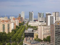Четырехкомнатная квартира с видом на море в Барселоне