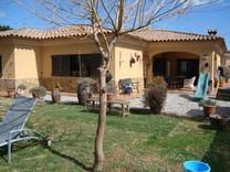 Вилла с пятью спальнями в Vall-llobrega