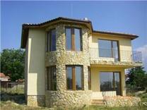 Двухэтажный дом в селе Аврен