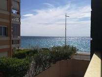 Двухкомнатная квартира с видом на море в Menton