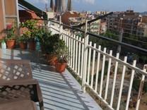Апартаменты с четырьмя спальнями рядом с Sagrada Familia
