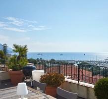 Квартира с огромной террасой и видом на море в Больё, продажа. №37318. ЭстейтСервис.