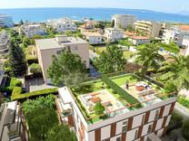 Новые апартаменты в 150-ти метрах от моря в Жуан-Ле-Пен