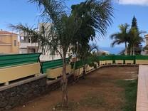 Угловой дом с тремя спальнями в Адехе