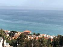 Новый дом в пяти минутах от пляжа в центре Maresme