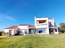 Дом с панорамным видом в районе Фаброн