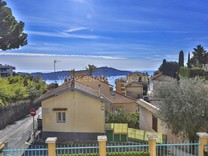 Небольшой дом с видом на море в Villefranche-sur-Mer