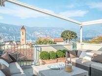 Трёхуровневые апартаменты с видом на море и порт