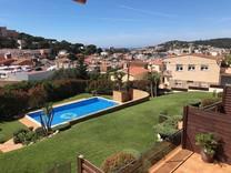Таунхаус с панорамным видом в Sant Feliu de Guixols