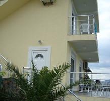Меблированный дом с прекрасным видом на море в поселке Крашичи, продажа. №23090. ЭстейтСервис.