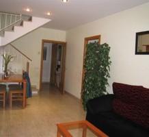 Трехкомнатные апартаменты в Ллорет Де Мар с террасой на крыше, продажа. №10642. ЭстейтСервис.