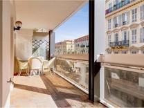 Большая двухкомнатная квартира возле Place Grimaldi
