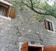Каменный дом под ремонт на Луштице, продажа. №12802. ЭстейтСервис.