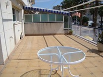Блок из трех квартир в 200-х метрах от пляжа в Плайа-де-Аро