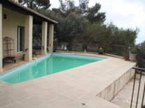 Вилла с бассейном и видом на Монако