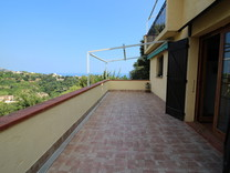 Дом с видом на море в Ментоне, Route de Castellar