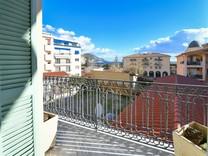 Солидная квартира с видом в Болье-сюр-Мер