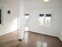 Квартира на первом этаже в Дженовичах