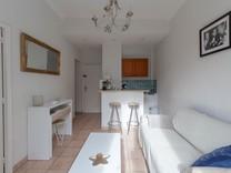 Двухкомнатная квартира по улице Ош/rue Hoche