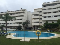 Просторная трехкомнатная квартира в Эстепона