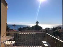 Вилла с видом на море и рядом с пляжем
