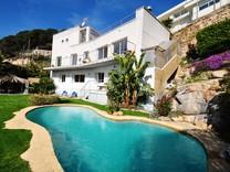 Дом с потрясающей панорамой в Ллорет де Мар