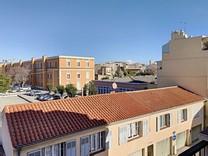 Уютная квартира в самом центре Антиб