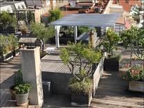 Дизайнерский пентхаус с большой террасой на крыше в Ницце