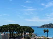 Трехкомнатная квартира с видом на море на Cap Martin