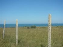 Участок на первой линии пляжа в Царево