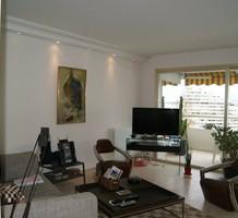 Вместительные апартаменты с 2 спальнями с видом на море в Villeneuve-Loubet, продажа. №20059. ЭстейтСервис.