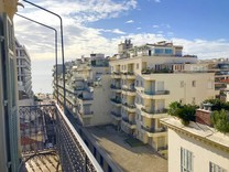 Квартира с боковым видом в Золотом квадрате Ниццы