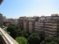 Большая квартира по улице Travessera Les Corts