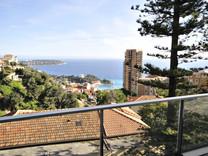 Трёхкомнатная квартира с видом на море в Босолей