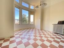 Просторные апартаменты с одной спальней в Ментоне