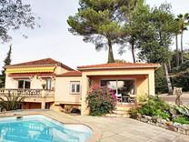 Дом с четырьмя спальнями рядом с Валь-де-Мужен