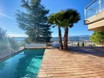 Стильный дом с шикарным видом на город и Allianz Riviera