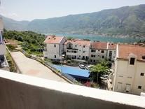 Уютная квартира с видом на море в Доброте