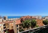 Трёхкомнатный пентхаус в 50-ти метрах от Монако