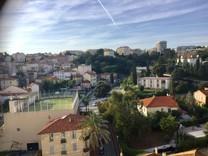 Пентхаус с панорамным видом по Avenue Saint-Jean