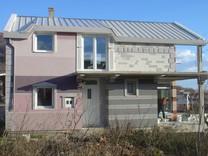 Незаконченный дом в окрестностях Сутоморе
