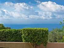 Красивое поместье с видом на море в LE VINAIGRIER