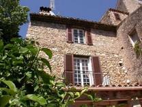 Дом с видом на море в Кань-сюр-Мер