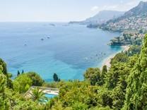 Четырёхкомнатная квартира с видом на море и Монако, Le Cap