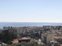 Трёхкомнатная квартира с панорамным видом на море