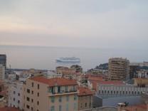 Квартира с панорамным видом на море в Beausoleil
