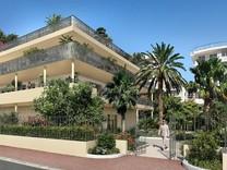 Новая квартира с частным садом в Palm Beach