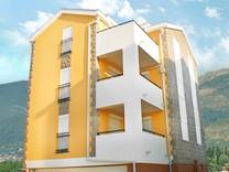 Апартаменты в комплексе рядом с морем в Тивате