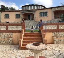Большой дом с бассейном и видом на море в Калонже, продажа. №38217. ЭстейтСервис.